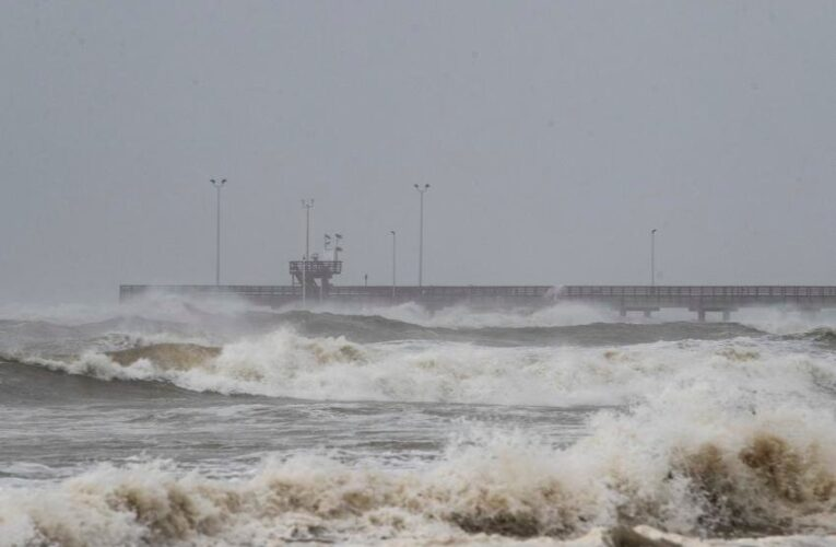 Hanna brings flooding, power outages to southern Texas Gulf Coast