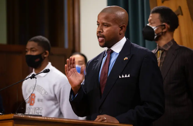 "Black lawmakers, NAACP and students push back on UT-Austin's ""The Eyes of Texas"" report, urge school to lose the song"
