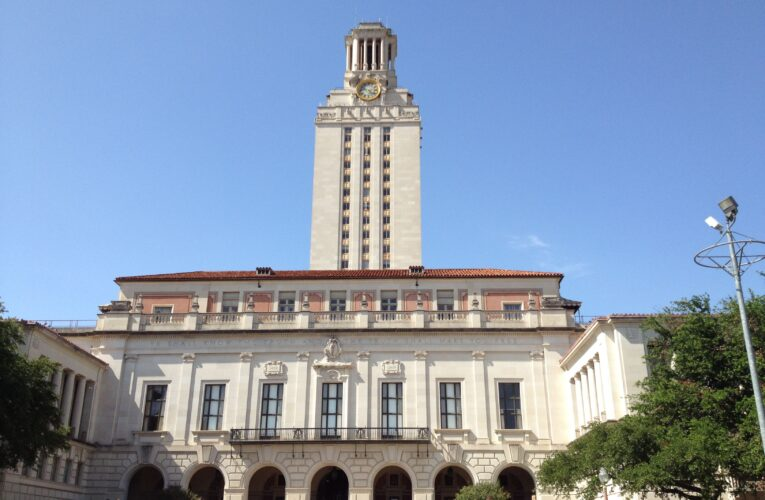 Student files class-action lawsuit against UT-Austin, saying online education last year wasn't worth the tuition