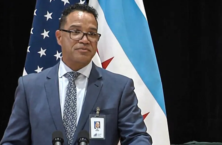 José Torres poised to take over as interim Chicago schools CEO on an open-ended contract