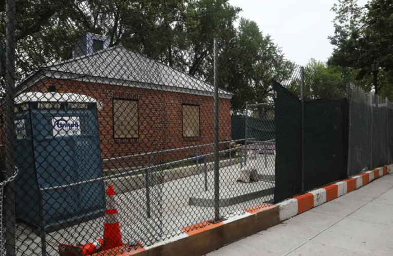 Making a Stink About Lack of Bathrooms at Brooklyn's Betsy Head Park