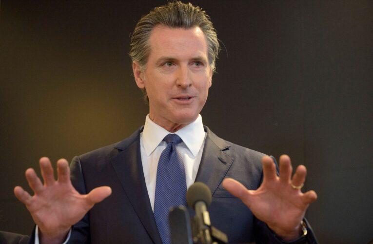 Newsom to require vaccinations or weekly COVID-19 tests for state workers, nurses